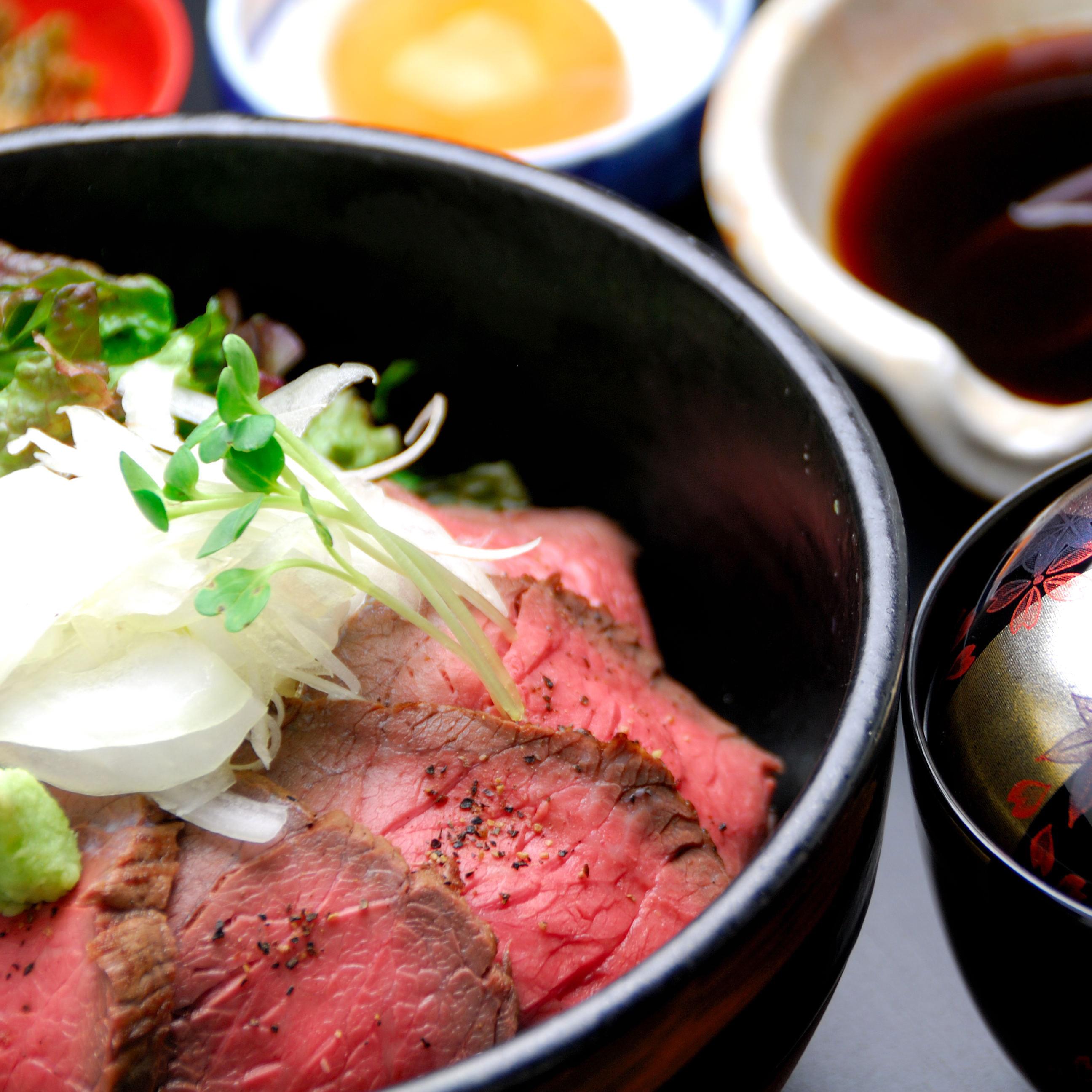松阪牛ローストビーフ丼